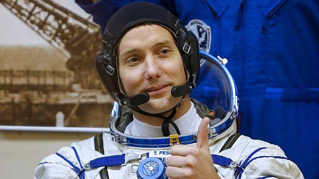 الفرنسي توما بيسكيه يخطو اولى خطواته في الفضاء