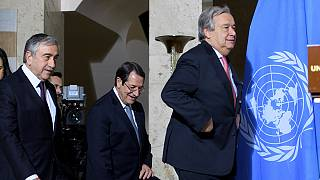 Ciprus: Erdogan elutasítja a török csapatok kivonását