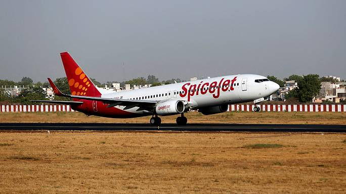India's SpiceJet orders 100 more aircraft from Boeing