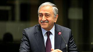 زعيم القبارصة الأتراك: جميع القوى الضامنة تلعب دورا ايجابيا في محادثات جنيف