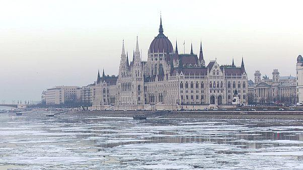 Vereiste Donau in Budapest