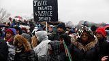 Martin Luther King'i anma yürüyüşlerinde Trump protesto edildi