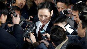 Entscheidung über Haftbefehl gegen Samsung-Chef vertagt
