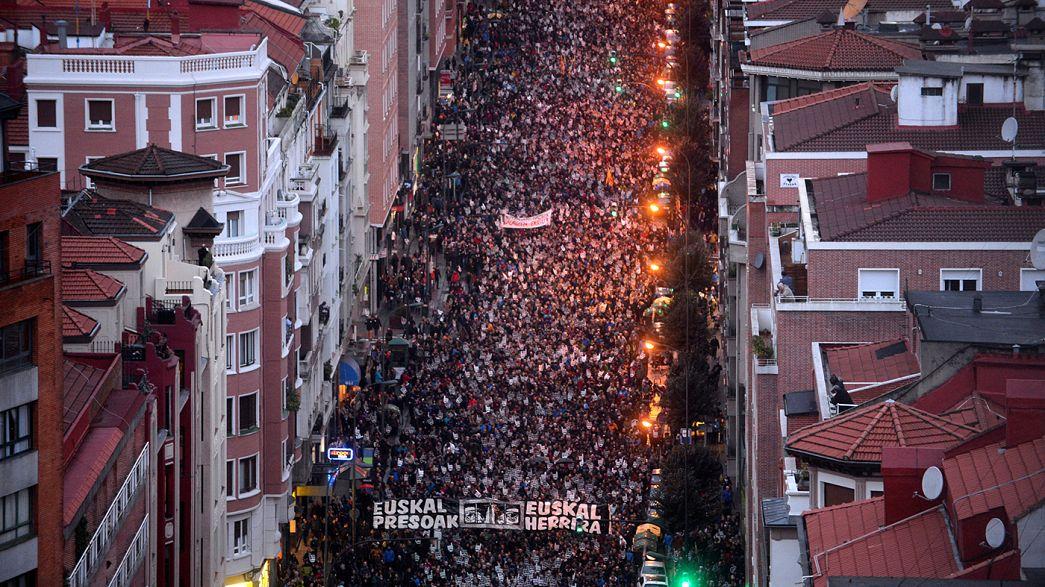 """""""Mar"""" de gente protesta pelos direitos dos etarras detidos"""