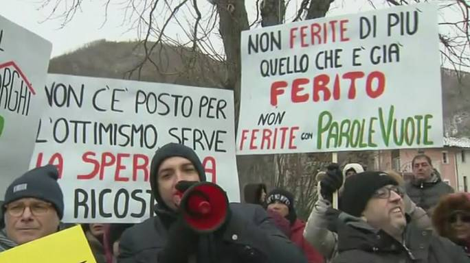 Los afectados por los terremotos que sacudieron el centro de Italia exigen poder regresar a sus hogares