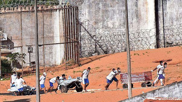 Mais de 30 mortos no último motim numa prisão do Brasil