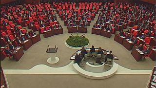 Türkei: Parlament stimmt für Erdogans Präsidialsystem