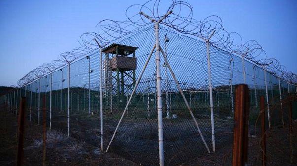 Omán tíz rabot fogadott be Guantanamóról