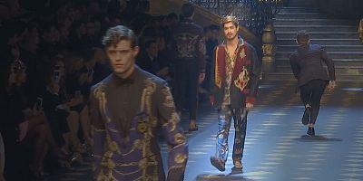 """Dolce & Gabbana presentan a los """"nuevos príncipes"""" en la pasarela de Milán"""