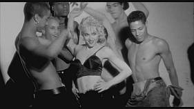 "De gira, con Madonna, en el documental ""Strike A Pose"""