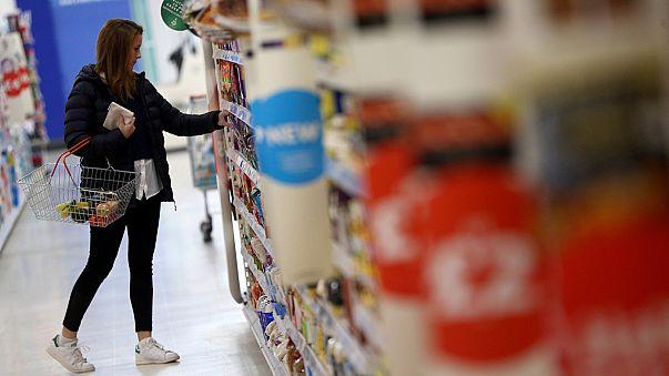 Inflação no Reino Unido em alta devido à queda da libra