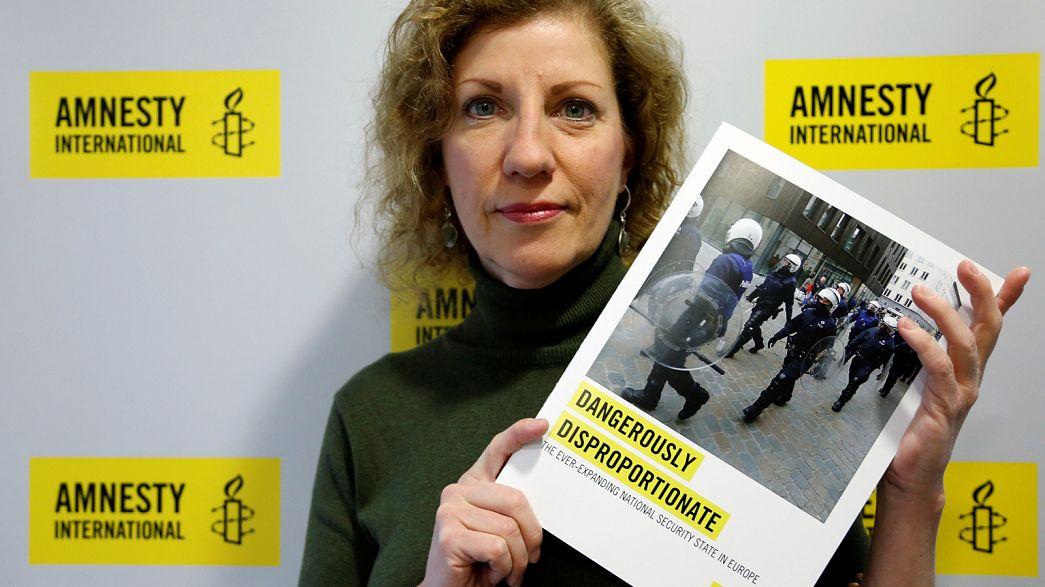 Διεθνής Αμνηστία: Συρρίκνωση των ανθρωπίνων δικαιωμάτων μετά τις επιθέσεις στην Ευρώπη