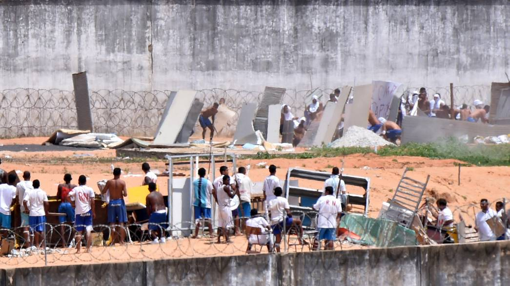 Brazil's brutal prison violence prompts government action