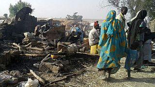 """Nijerya ordusu """"yanlışlıkla"""" mülteci kampını vurdu"""
