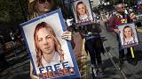 President Obama commutes US Army private Chelsea Manning's sentence for leaking documents to Wikileaks.She will be freed May 17