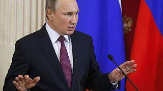 """Putin: """"Bu uydurma haberleri ortaya atanlar fahişelerden daha kötü"""""""