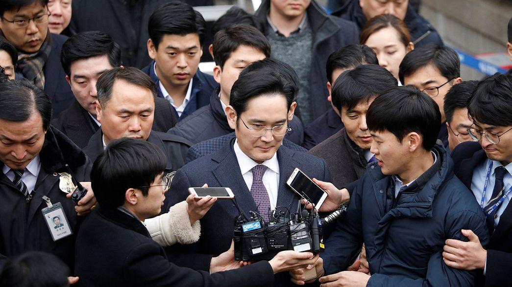 Herdeiro do império Samsung ouvido em tribunal