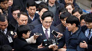 وارث امپراتوری سامسونگ، متهم به فساد مالی و در انتظار رای دادگاه