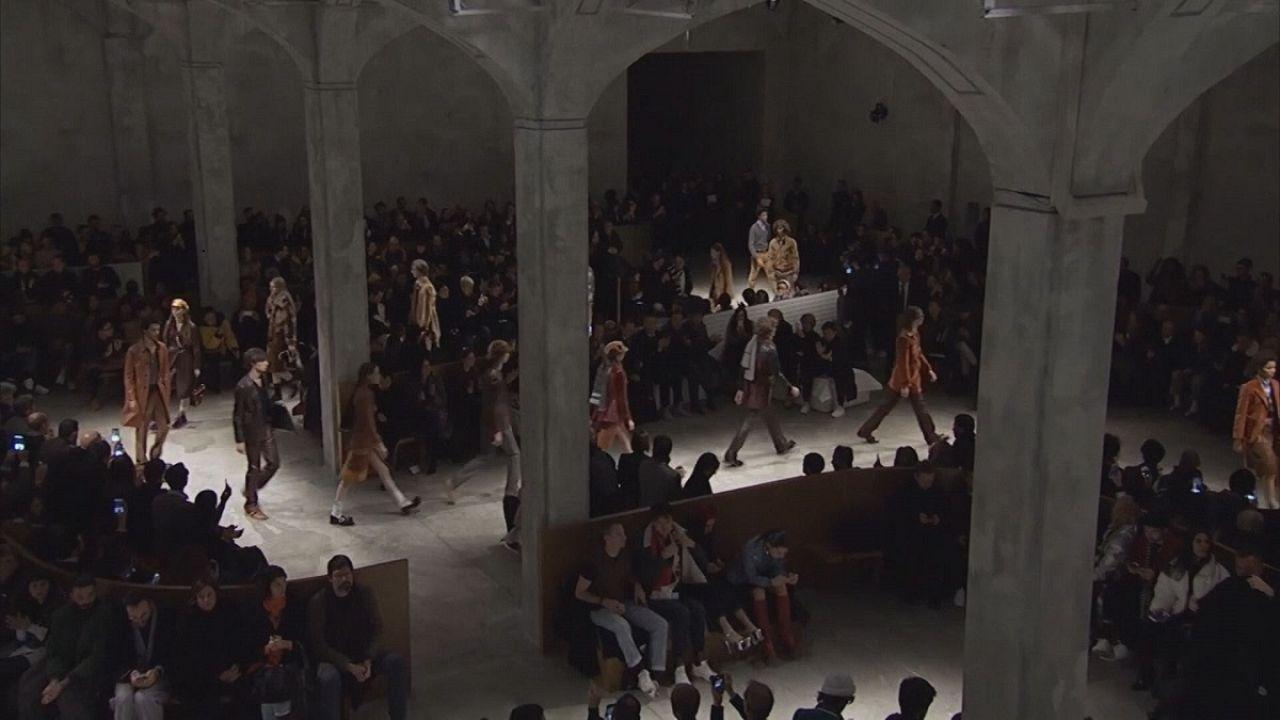 Мужчины носят Prada в Милане