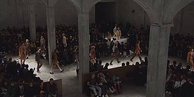 Mailänder Modewoche: 70er Jahre und Mustermix