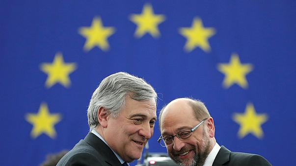 Schulz passa testemunho a Tajani
