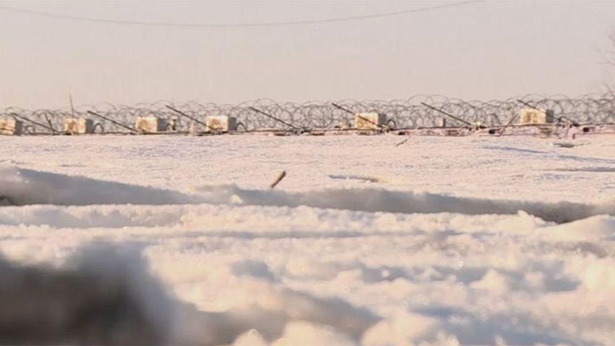 I migranti intrappolati nella neve fra Serbia e Ungheria