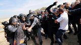 Polícia e árabe-israelita mortos durante operação de demolição no Neguev
