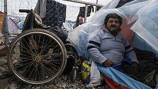 Les réfugiés handicapés négligés dans les centres d'accueil en Grèce