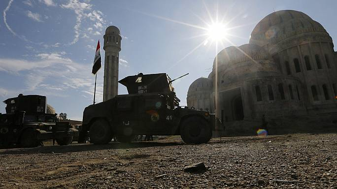 Mosul, l'esercito iracheno libera la zona est della città.