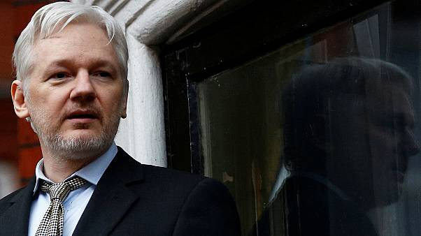 Whistleblowing: Manning commutation prompts questions about Assange