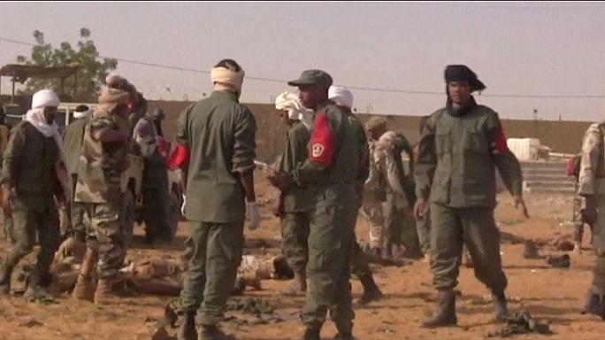 Mali, attacco kamikaze a base militare: 50 morti