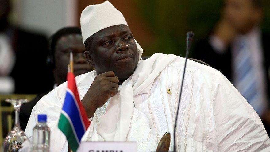 Askeri müdahale kapıda Gambiya Devlet Başkanı koltuğunu bırakmıyor