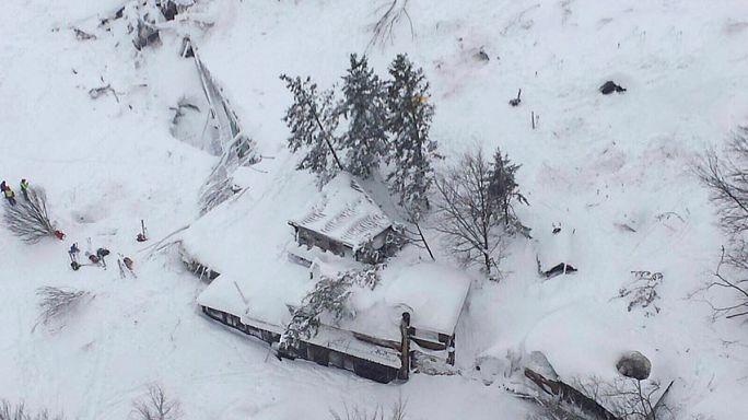 Italia: mortífero alud de nieve en un hotel con una treintena de personas dentro
