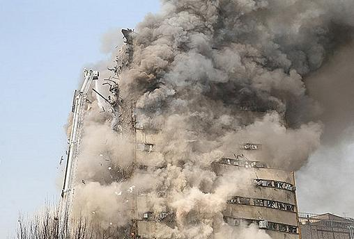 انهيار برج تجاري من 17 طابقا في طهران إثر حريق ضخم