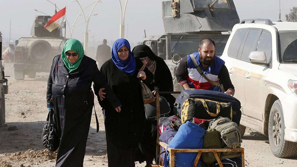 Civis fogem ao terror do grupo Estado Islâmico