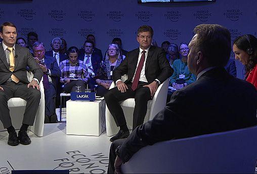 Davos: Levantar ou não as sanções à Rússia?