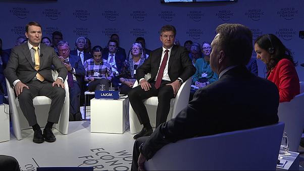 """Сессия в Давосе """"Россия в мире"""": санкции лучше отменить"""