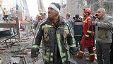 Как минимум 20 пожарных остаются под руинами обрушившейся высотки