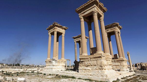 Siria: Isis continua opera di sitruzione di Palmira