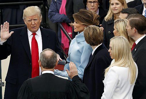 """Trump resmen ABD'nin 45. başkanı: """"İktidar Washington'dan halka geçti artık"""""""