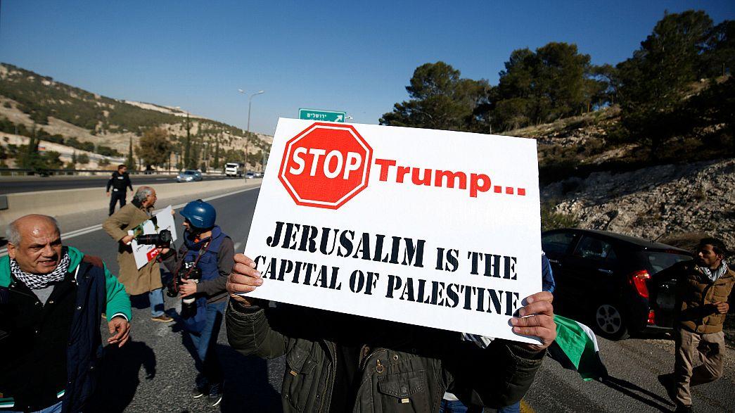 Palestinianos contra intenção de Trump mudar embaixada para Jerusalém