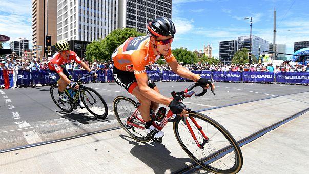 Nyert és győzhet az ausztrál biciklista