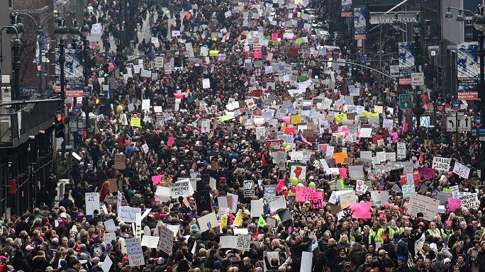 Multitudinarias marchas contra Trump en Estados Unidos