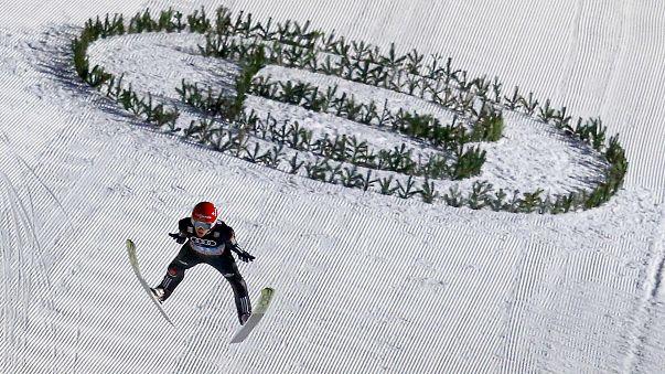Alemania gana la prueba por equipos de saltos de esquí en Zakopane