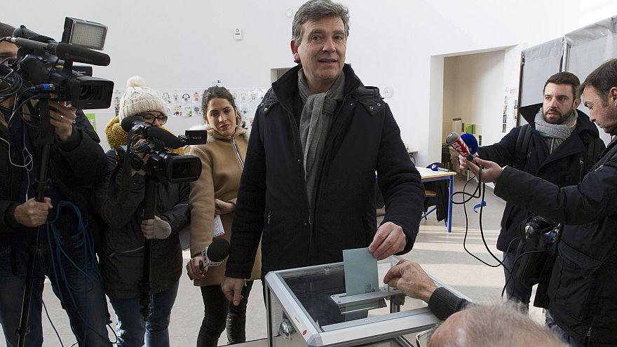 Первый тур праймериз левых проходит во Франции