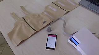Ouganda: des ingénieurs inventent une ''veste intelligente'' qui permet de diagnostiquer la pneumonie