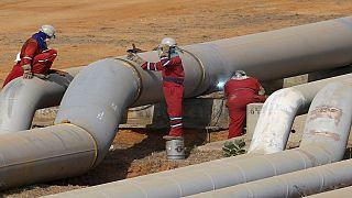 Accord de reduction de la production pétrolière entre les pays de l'OPEP et hors OPEP