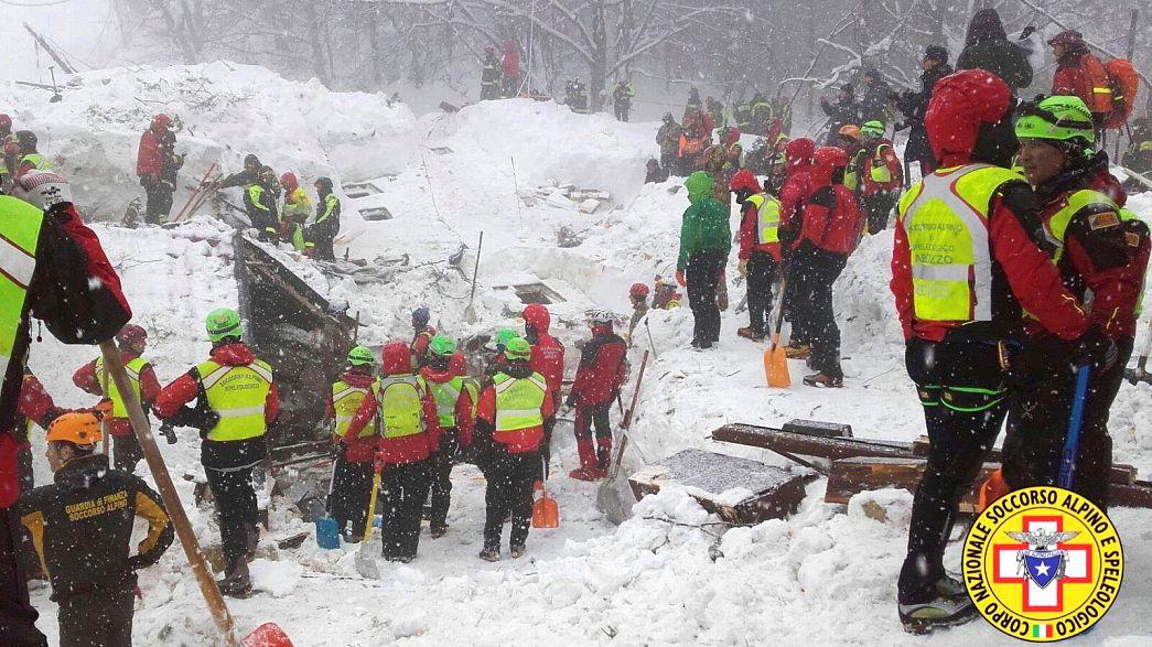 Italy avalanche: rescue crews battle worsening weather to find survivors