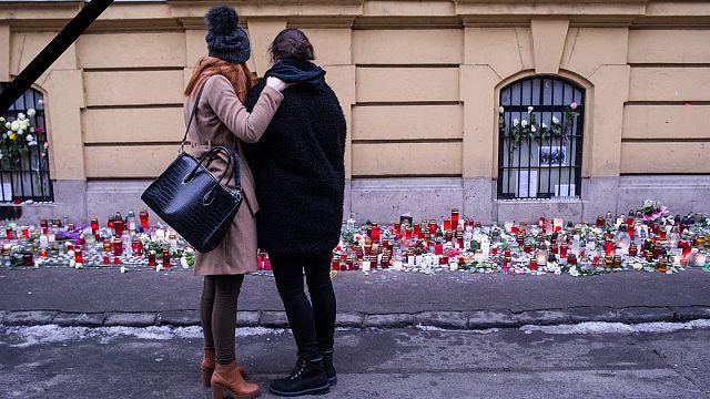 Hongrie : deuil et hommage