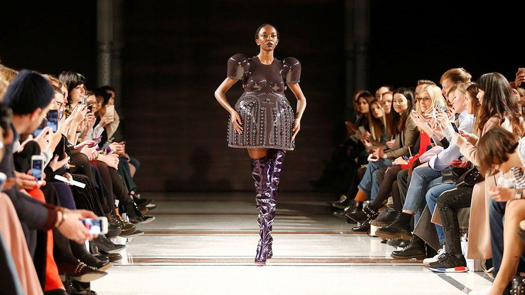 A moda outono-inverno na semana da moda de Berlim